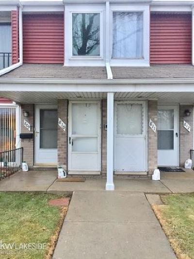 Saint Clair Shores Condo/Townhouse For Sale: 810 Sunset Lane