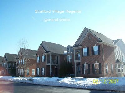 Macomb Condo/Townhouse For Sale: 42654 Park Cresent