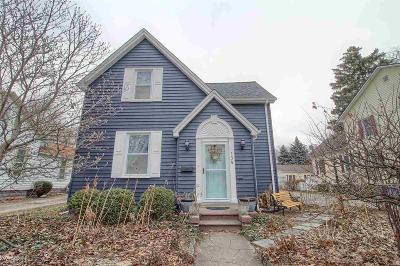 Mount Clemens Single Family Home For Sale: 154 Clinton St