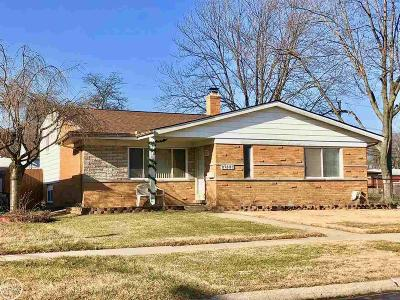 Warren Single Family Home For Sale: 27537 Wagner