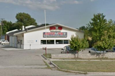 Clinton Township Commercial/Industrial For Sale: 1447 Gratiot