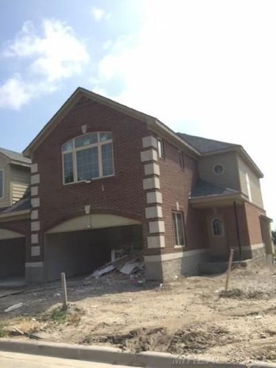 Shelby Twp Condo/Townhouse For Sale: 53204 Celtic