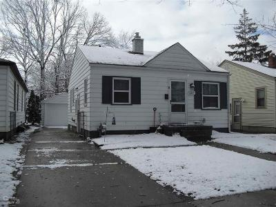 Grosse Pointe Woods Single Family Home For Sale: 2189 Roslyn