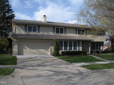 Grosse Pointe Woods Single Family Home For Sale: 563 N Rosedale