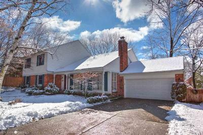 Grosse Pointe Farms Single Family Home For Sale: 211 Dean Lane