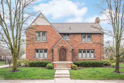 Grosse Pointe Shores Single Family Home For Sale: 70 Colonial Rd