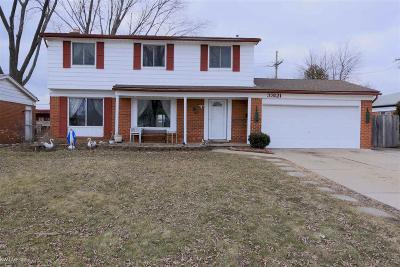 Sterling Heights Single Family Home For Sale: 33121 Crestwell