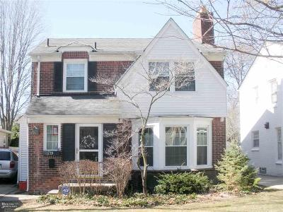 Grosse Pointe Farms Single Family Home Pending: 219 McMillan Rd
