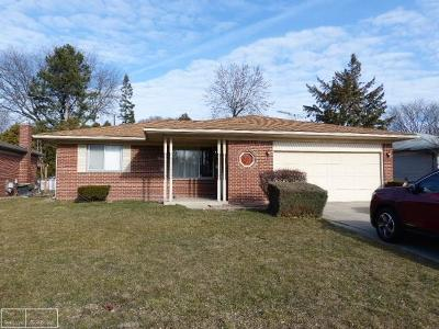 Sterling Heights MI Single Family Home For Sale: $180,000