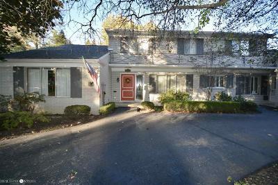 Grosse Pointe Shores Single Family Home For Sale: 46 Stonehurst Rd