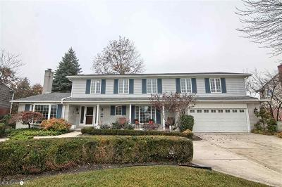 Grosse Pointe Shores Single Family Home For Sale: 747 Ballantyne