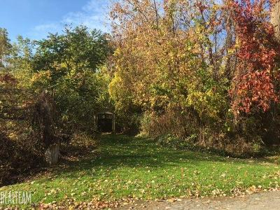 Macomb Residential Lots & Land For Sale: Shoreline Dr.