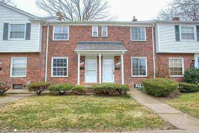 Saint Clair Shores Condo/Townhouse For Sale: 23102 Marter Rd
