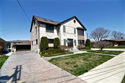 Saint Clair Shores Single Family Home For Sale: 22625 Shorewood