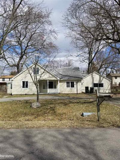 Rochester Hills Single Family Home For Sale: 2923 Walsh