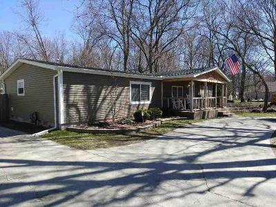 Algonac Single Family Home For Sale: 4930 Taft