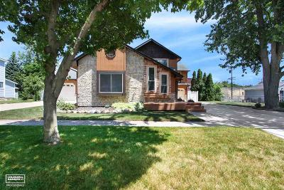 Richmond Single Family Home For Sale: 69426 Parker St