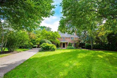 Grosse Pointe Park Single Family Home For Sale: 15660 Windmill Pointe Dr