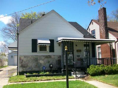 Pontiac Single Family Home For Sale: 21 N Ardmore