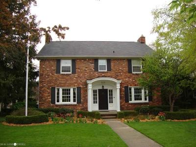 Grosse Pointe Park Single Family Home For Sale: 523 Lakepointe