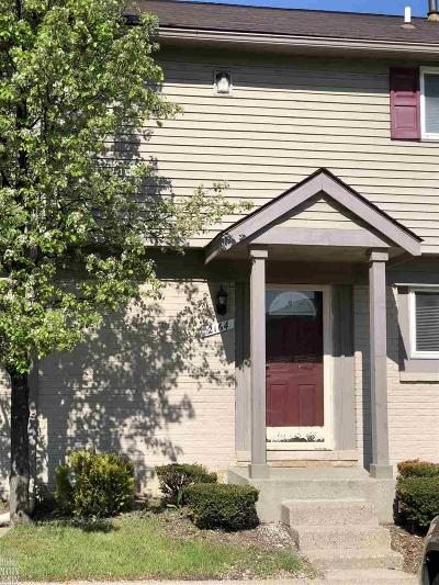 Shelby Twp Condo/Townhouse For Sale: 2164 Orchard Crest St