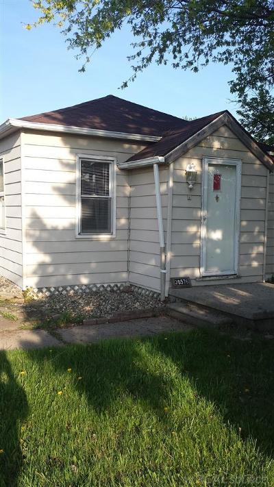 Roseville Single Family Home For Sale: 30576 Garfield