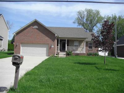 Utica Single Family Home For Sale: 11033 Pacton