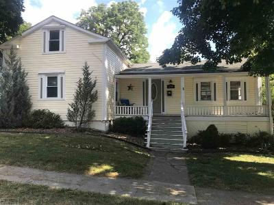 Saint Clair Single Family Home For Sale: 614 Trumbull St