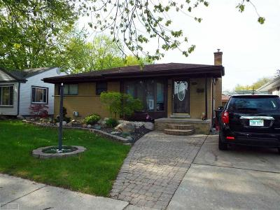 Saint Clair Shores Single Family Home For Sale: 22519 Garfield