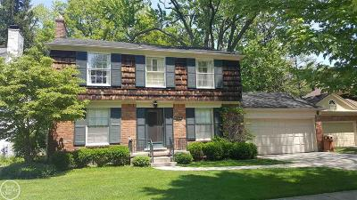 Grosse Pointe Farms Single Family Home For Sale: 176 Hillcrest