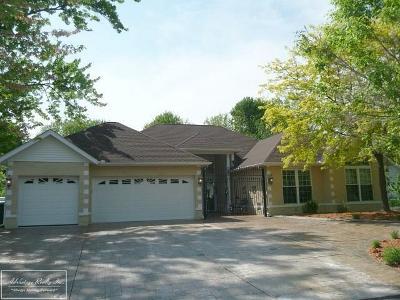 Harrison Twp Single Family Home For Sale: 37811 Hazel