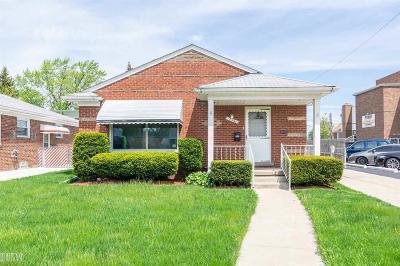 Roseville Single Family Home For Sale: 17991 Lincoln