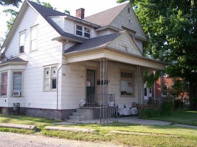 Macomb Multi Family Home For Sale: 295 N Gratiot Avenue