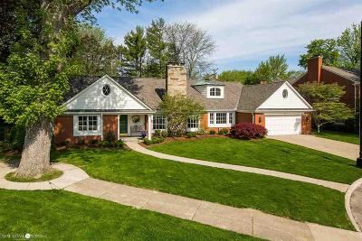 Grosse Pointe Farms Single Family Home For Sale: 44 Harbor Hill