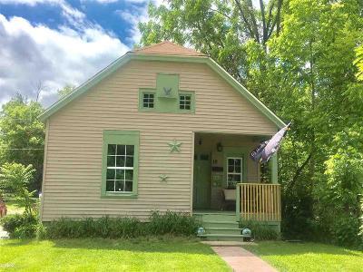 Pontiac Single Family Home For Sale: 12 Mariva