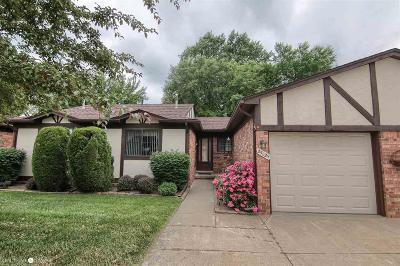 Warren Condo/Townhouse For Sale: 25029 Joanne Smith Drive