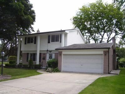 Warren Single Family Home For Sale: 11162 Charles