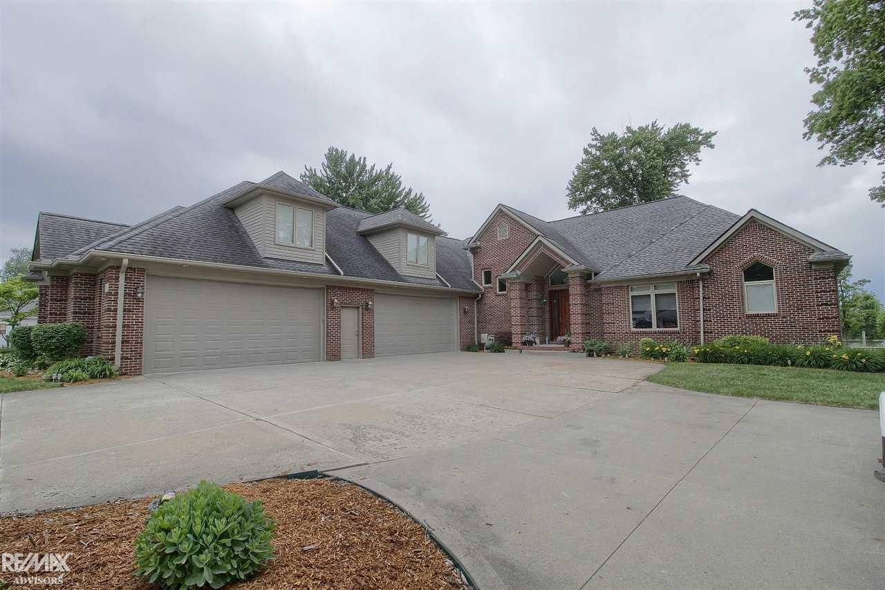 5 bed/5 bath Home in Harrison Twp for $809,900