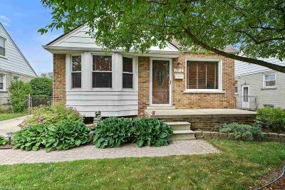 Saint Clair Shores Single Family Home For Sale: 25712 Culver Street