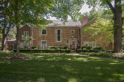 Grosse Pointe Farms Single Family Home For Sale: 94 Touraine