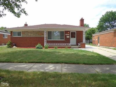 Macomb Single Family Home For Sale: 26819 Fairfield Ave