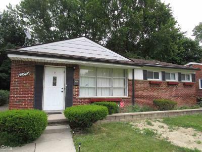 Oak Park Single Family Home For Sale: 22010 Whitmore