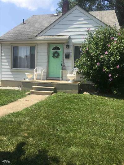 Royal Oak Single Family Home For Sale: 415 N Stephenson