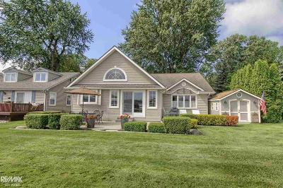 Harsens Island Single Family Home For Sale: 1296 North Channel