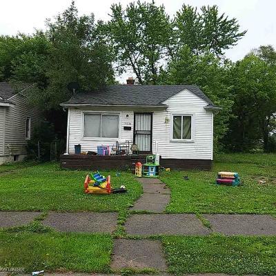 Detroit Single Family Home For Sale: 13236 Tacoma