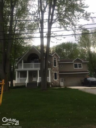 Harrison Twp Single Family Home For Sale: 37861 Townhall