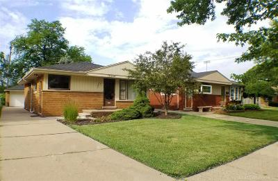 Harper Woods Single Family Home For Sale: 19636 Country Club
