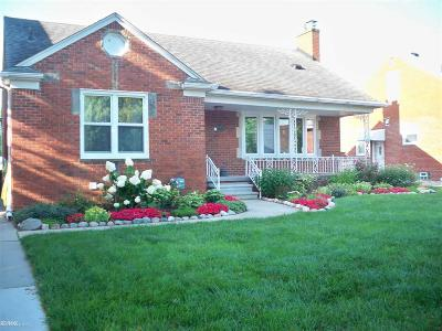 Saint Clair Shores Single Family Home For Sale: 23298 Clairwood