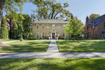 Grosse Pointe Park Single Family Home For Sale: 1336 Berkshire Rd