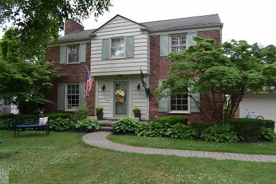 Grosse Pointe Park Single Family Home For Sale: 707 Lakepointe